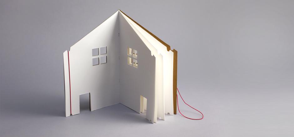the-doll-house-book-prod-desc-2